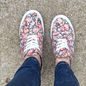 Shoes - Floral print sneakers
